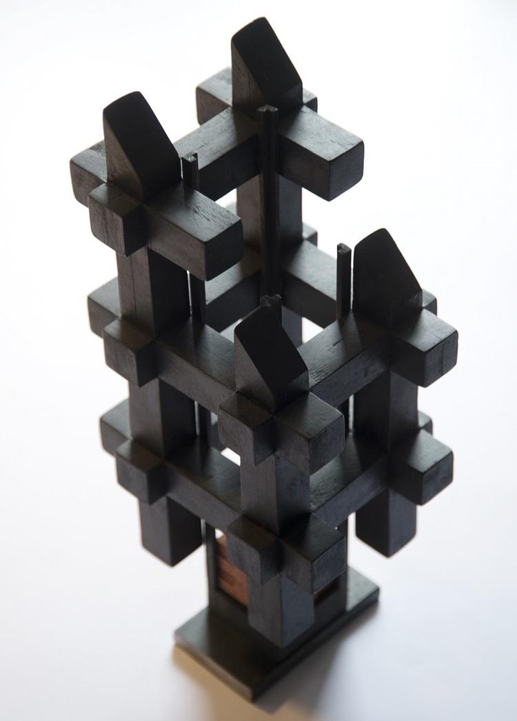 'Svart hus', 2004, ett konstverk av Lars Kleen