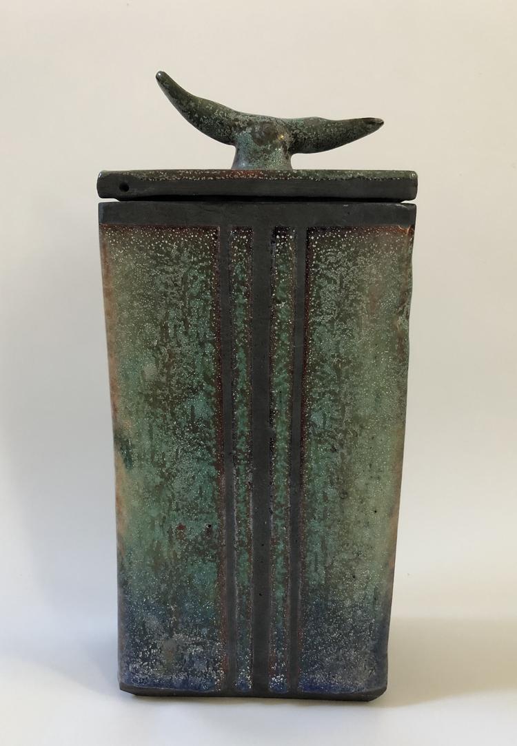'Rakubox', ett konstverk av Dan Leonette