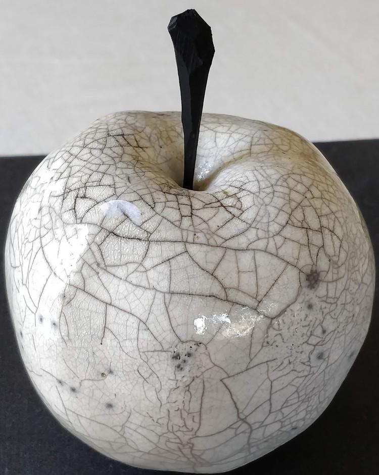 'Äpple', 2020, ett konstverk av P-A Sandström